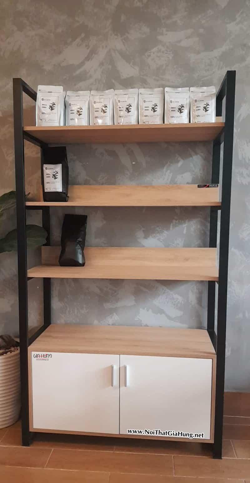 Kệ trưng bày sản phẩm cafe khung chân sắt mặt gỗ tại An Coffee - Thuận An - Bình Dương